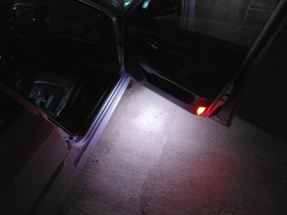 Подсветка низа дверей