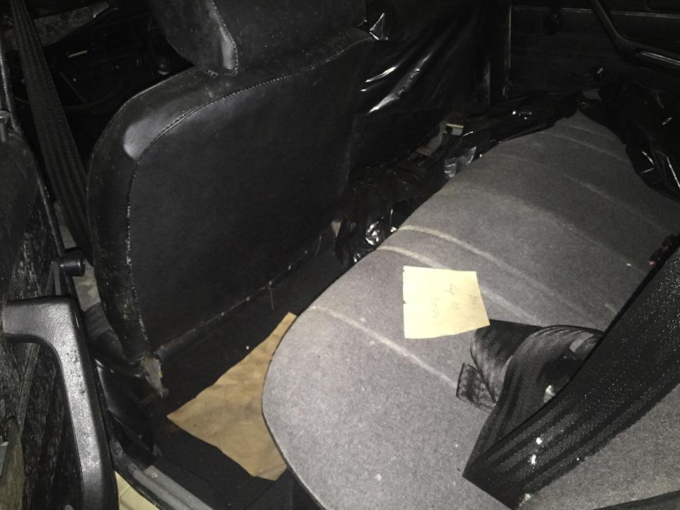 В наличии — ремни безопасности для задних пассажиров
