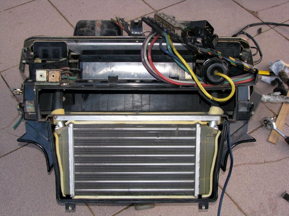Установка радиатора отопителя