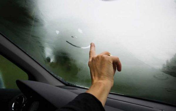 7ae307es 960 - Что делать когда потеют окна в машине