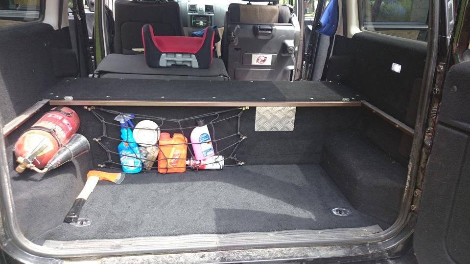 Как сделать полку в багажнике патриота 137