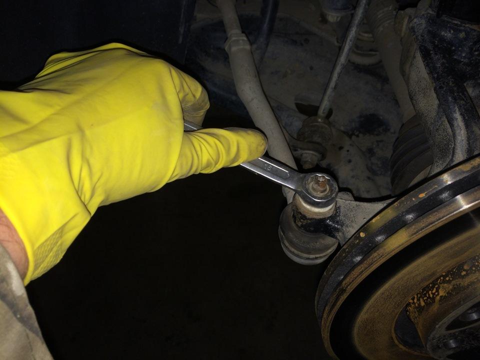 Замена рулевых наконечников своими руками 35