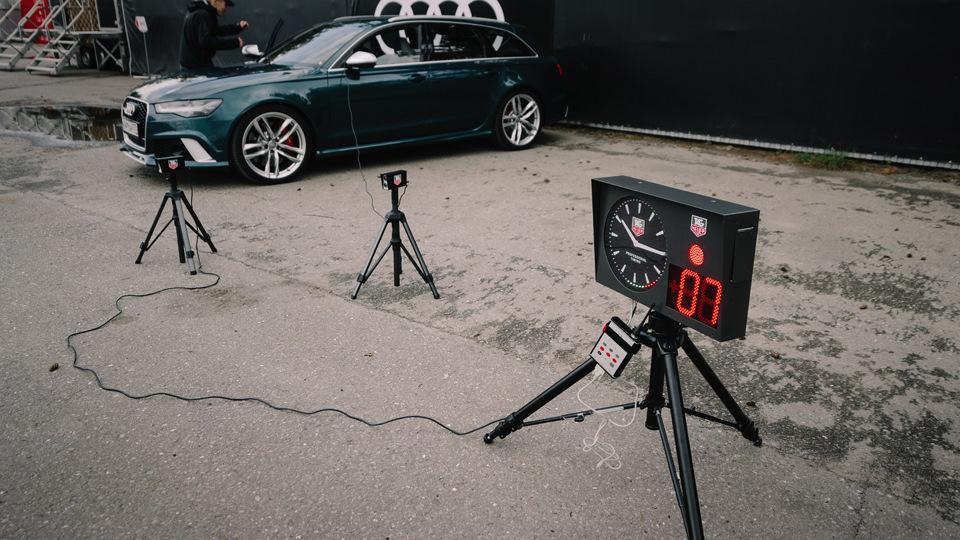 Грустнее всего было этой зелёной RS6 — единственная в мире батарейка для часов мощностью в 560 «лошадей»