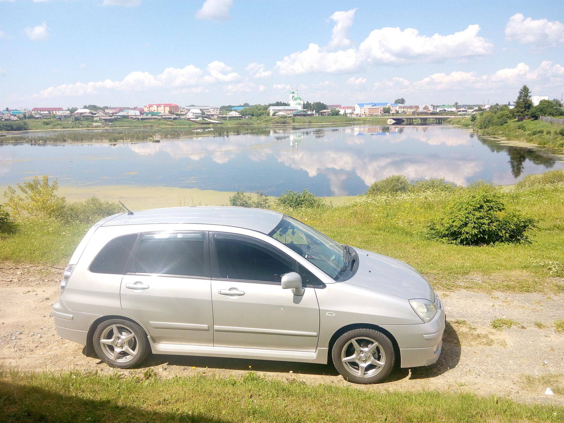 картинка машины сузуки лиана