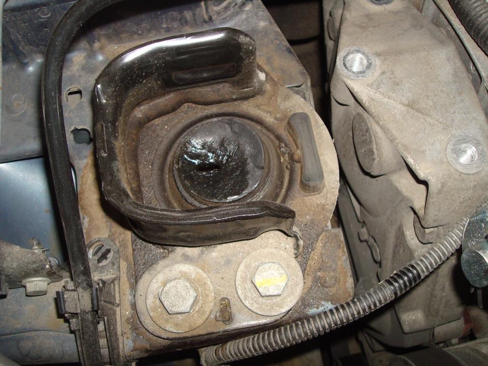 renault symbol стук в двигателе