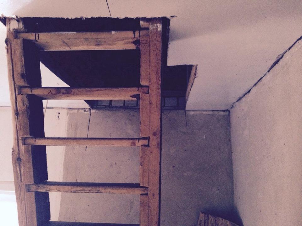 Как сделать лестницу на даче 577
