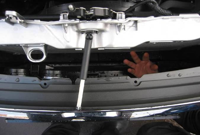 Как открыть капот форд фокус 1
