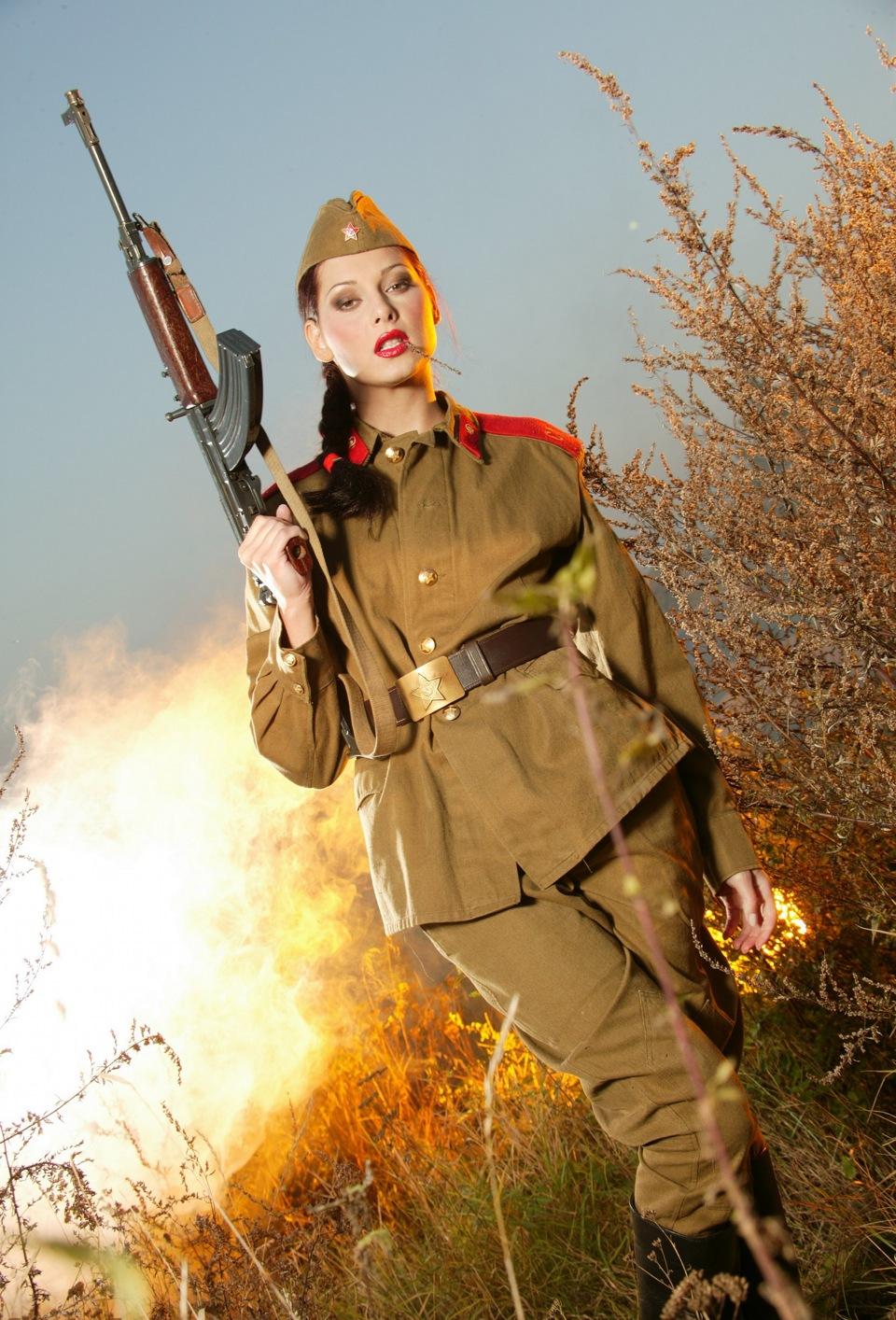 Военная женщина (8 фото) .