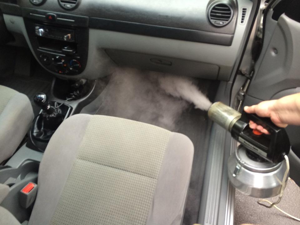 Как убрать запах из машины своими руками 55