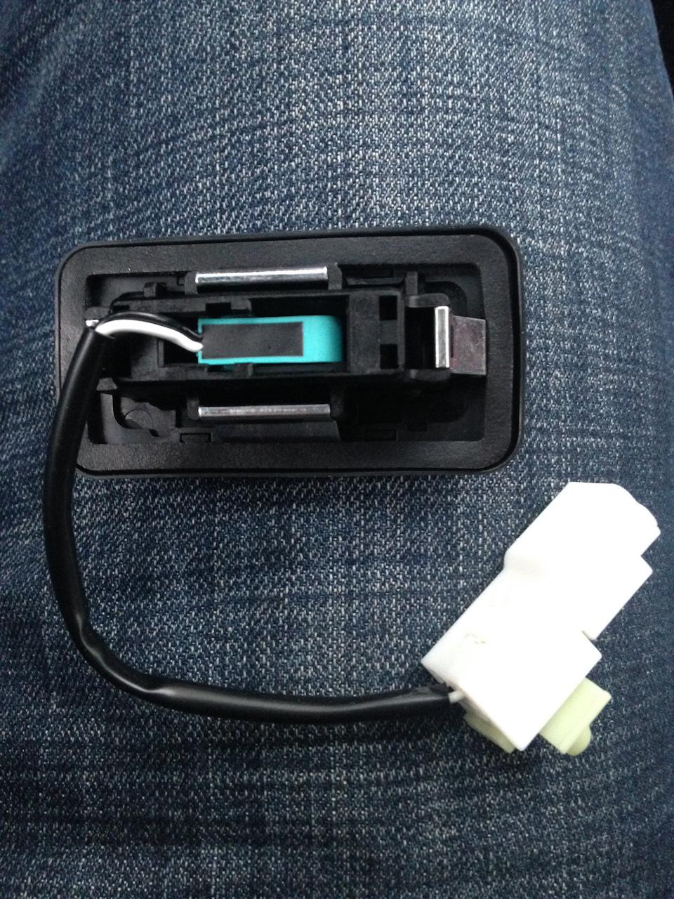 установка кнопки багажника hyundai avante