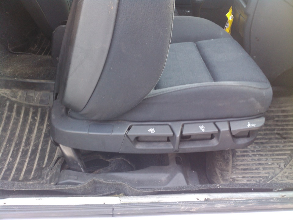 как снять сиденье в BMW e36