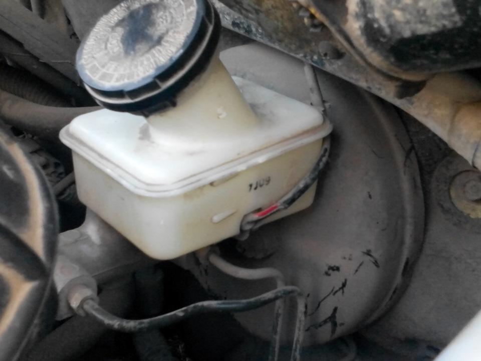 Замена тормозной жидкости. - бортжурнал Daewoo Matiz юркая букашка 2008 года на DRIVE2