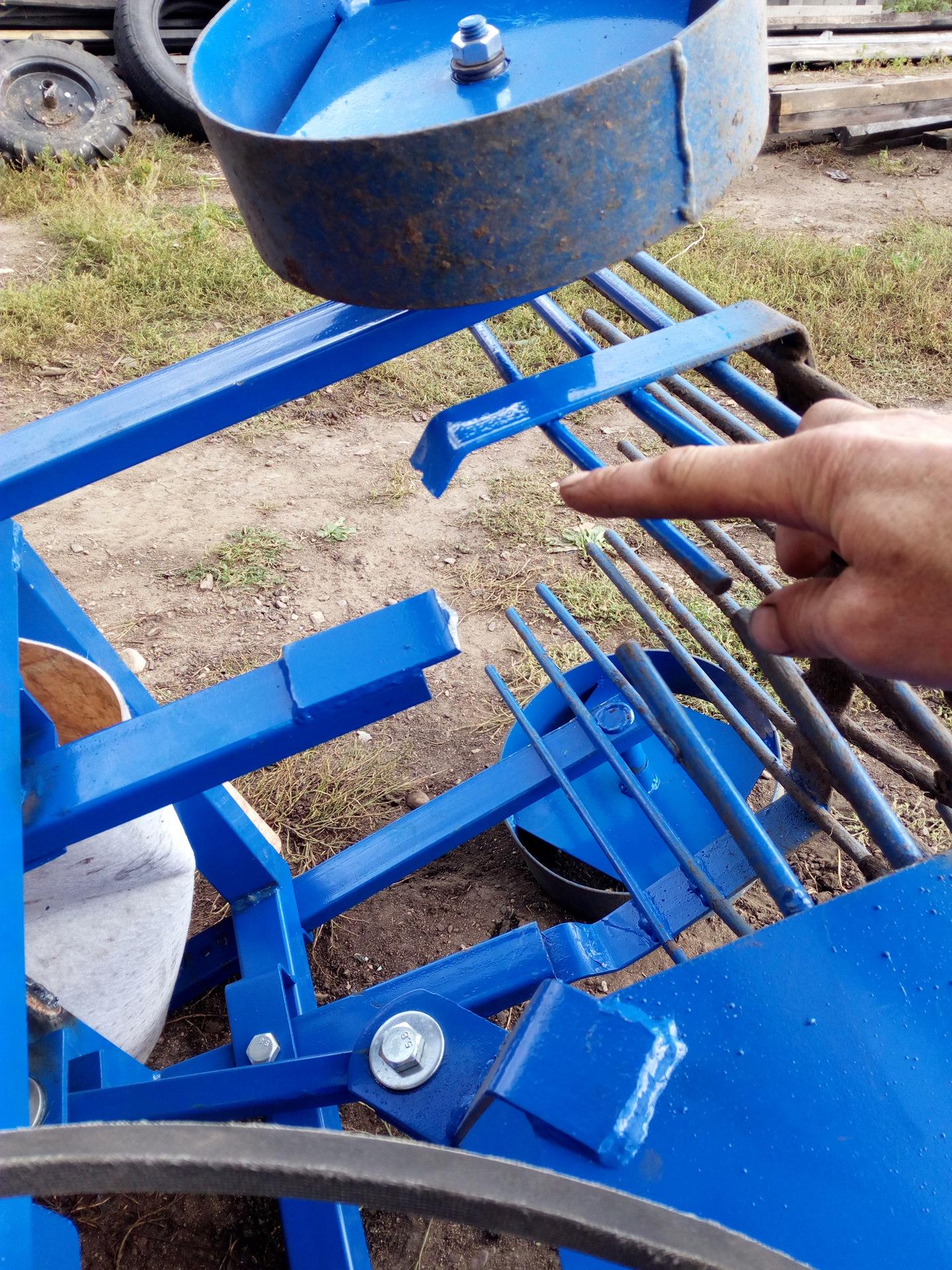 Картофелекопатель для мотоблоков своими руками