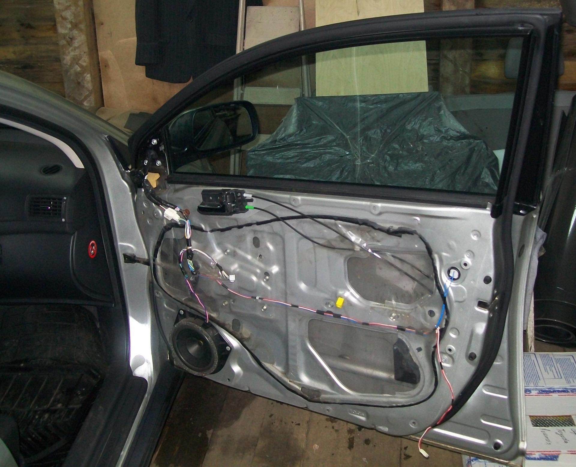 шумоизоляции Toyota Авенсис