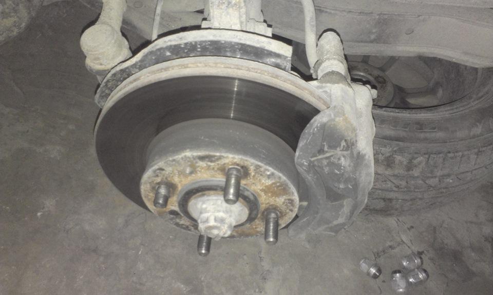 замена шпильки заднего колеса hyundai акцент
