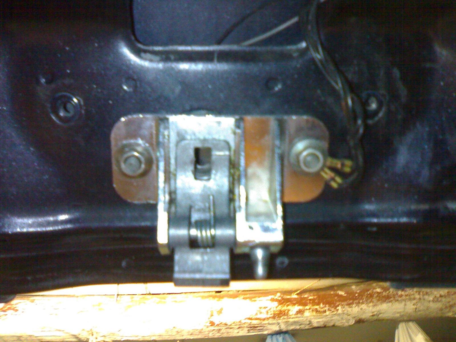 Как сделать открывание багажника с кнопки