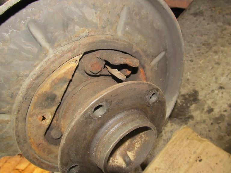bmw 520 e34 работа ручного тормоза