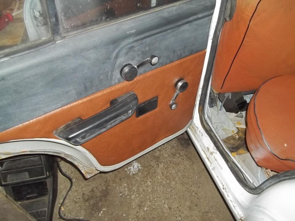 Обшивка на двери москвич 2140