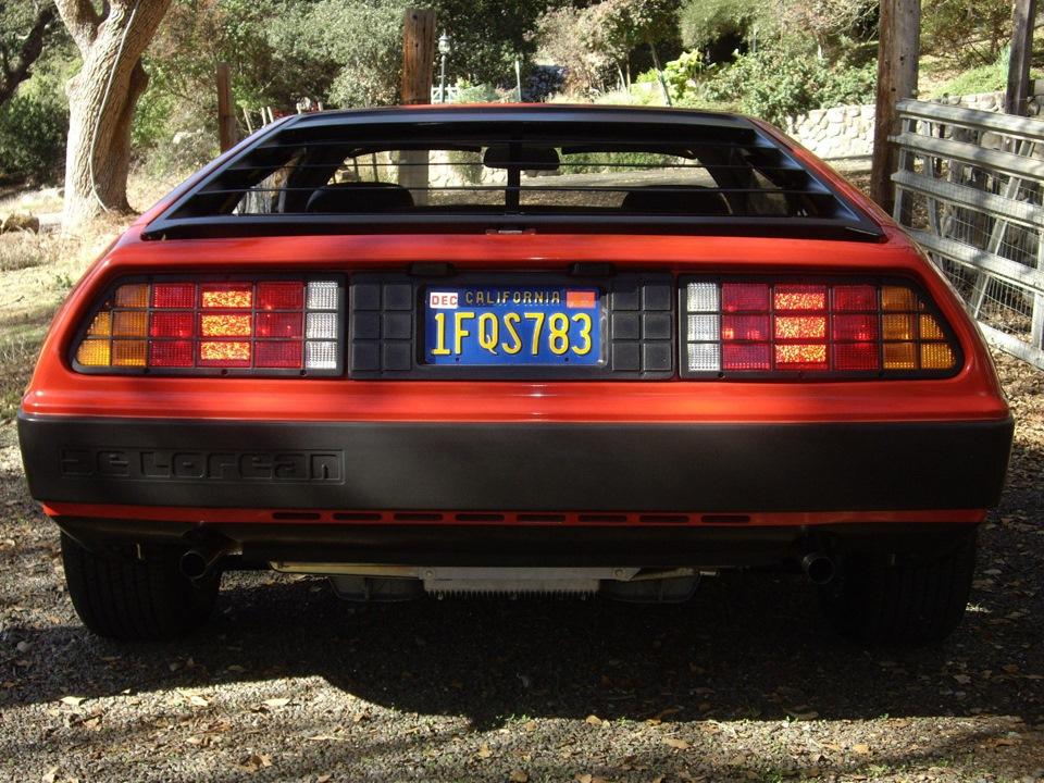 Данный DeLorean DMC-12 почти 31 год простоял в гараже у первого владельца в  солнечной Калифорнии. Машина 1981-го года выпуска была куплена у  официального ... ed6146e89cb