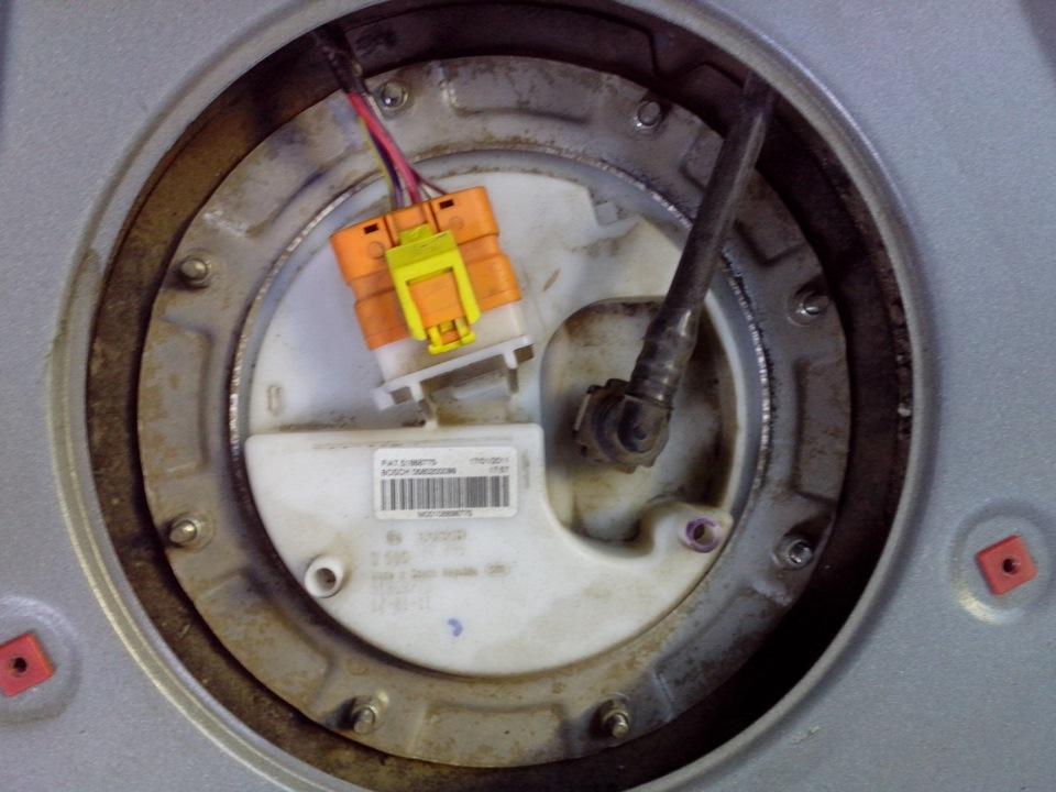 после аварии на фиат албеа неработает электробензонасос