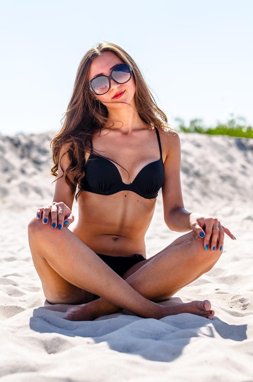 Фото девушек на пляже 2016г