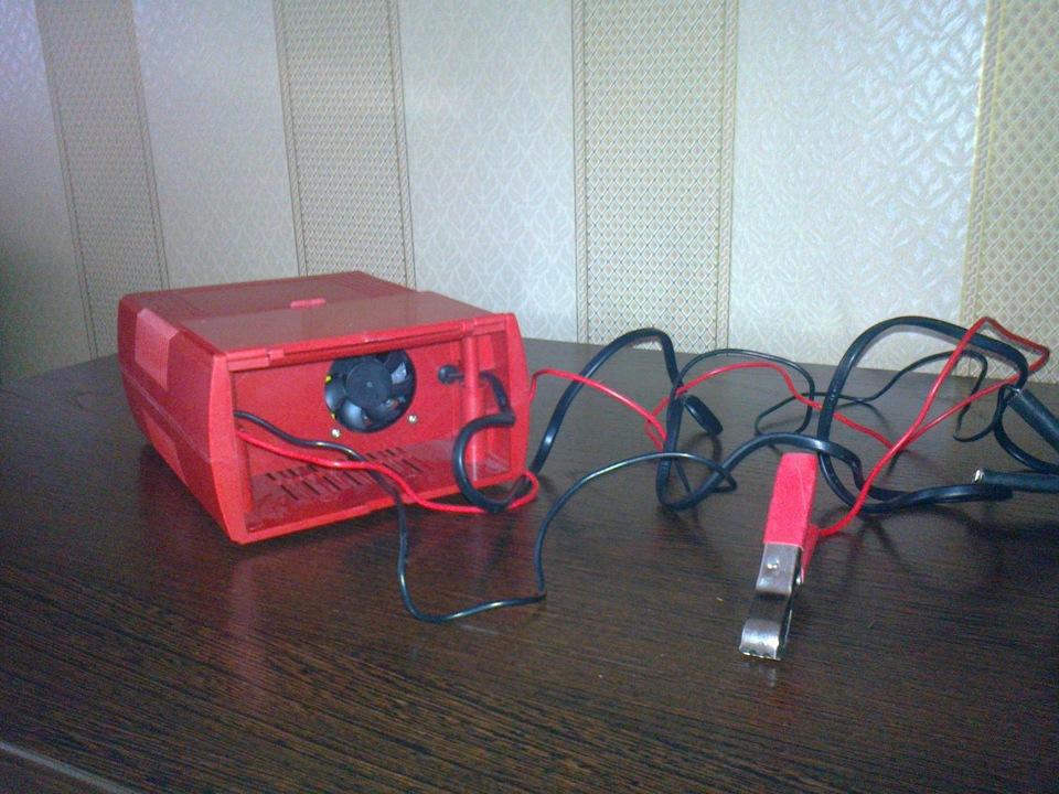Автоматическое зарядное устройство КАТУНЬ-506.  Выпускает завод в Барнауле РОТОР.