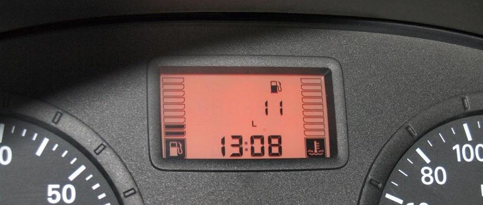 На сколько литров бак в Логан
