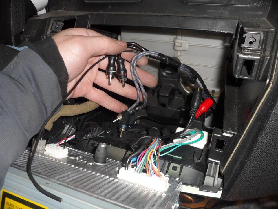 Как подключить сабвуфер в мазду 6