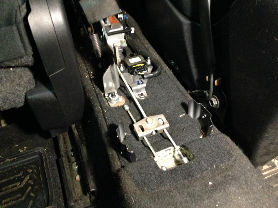 Замена передних тормозных колодок audi a6 c7