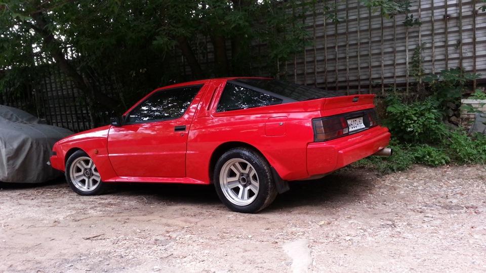 Приснилось красная машина