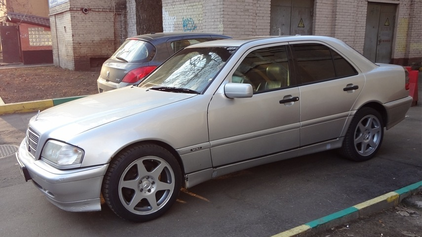 Mercedes benz c class c280 sport drive2 for Mercedes benz c class w202