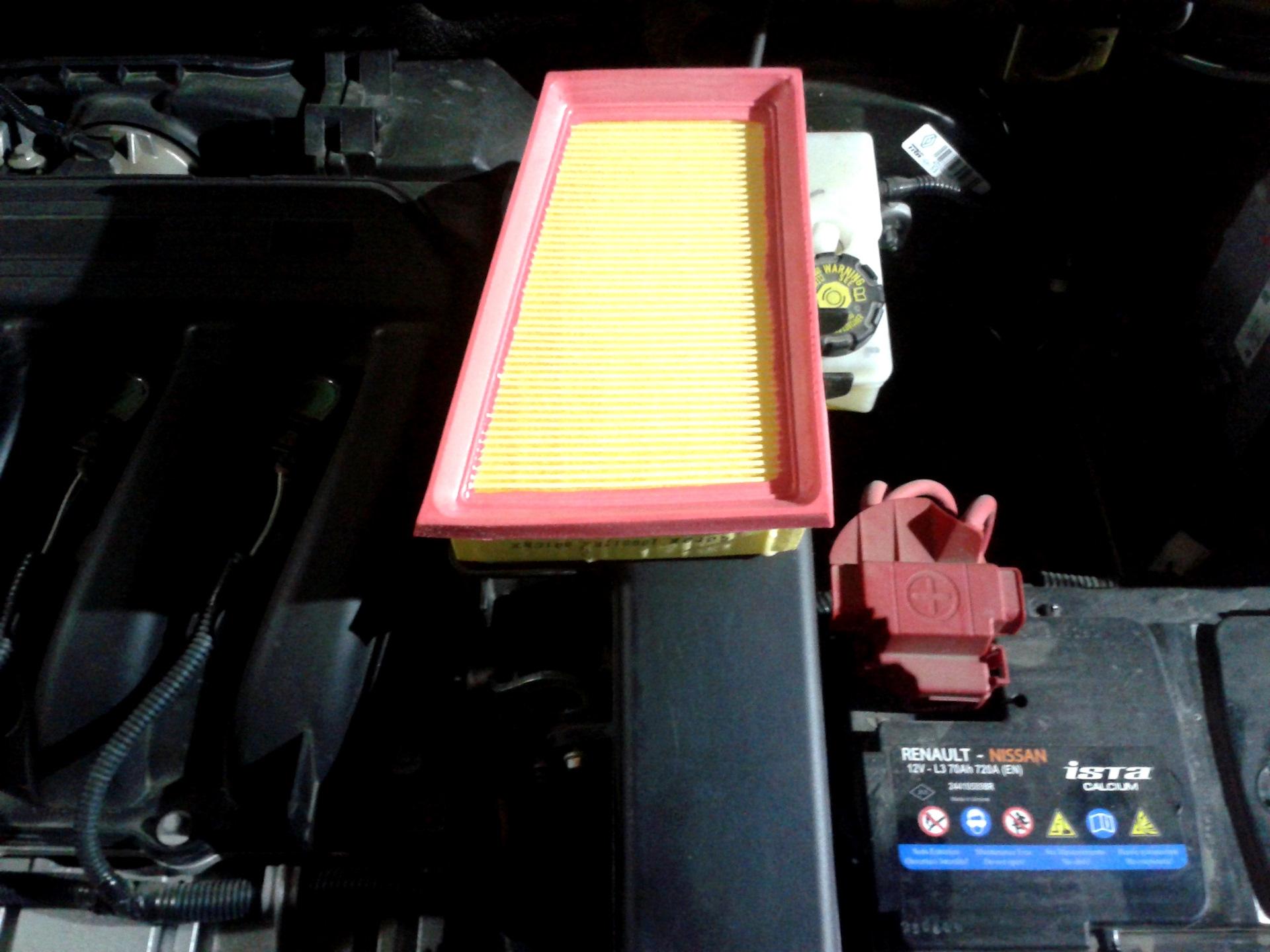 рено сандеро замена воздушных фильтров