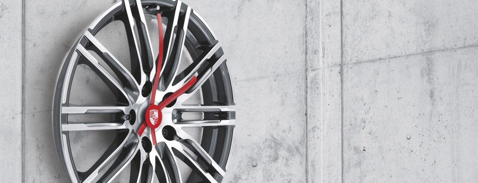 Аксессуары Porsche Driver s Selection — Порше Центр Ясенево на DRIVE2 9d9f6ce8d3f3e