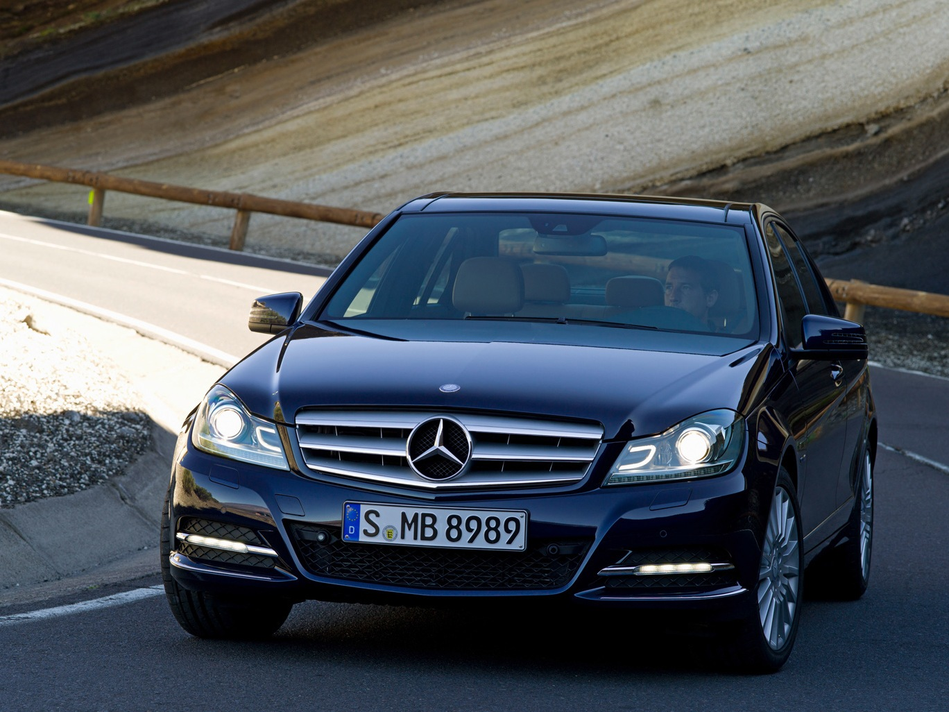 Mercedes c180 фото