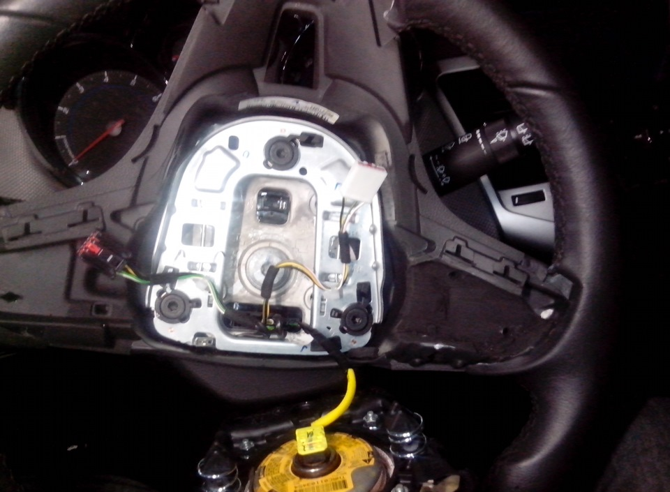 установка кнопок на руль chevrolet cruze 2014