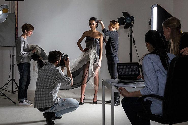 женщины, работать фотографом в журнале уместно
