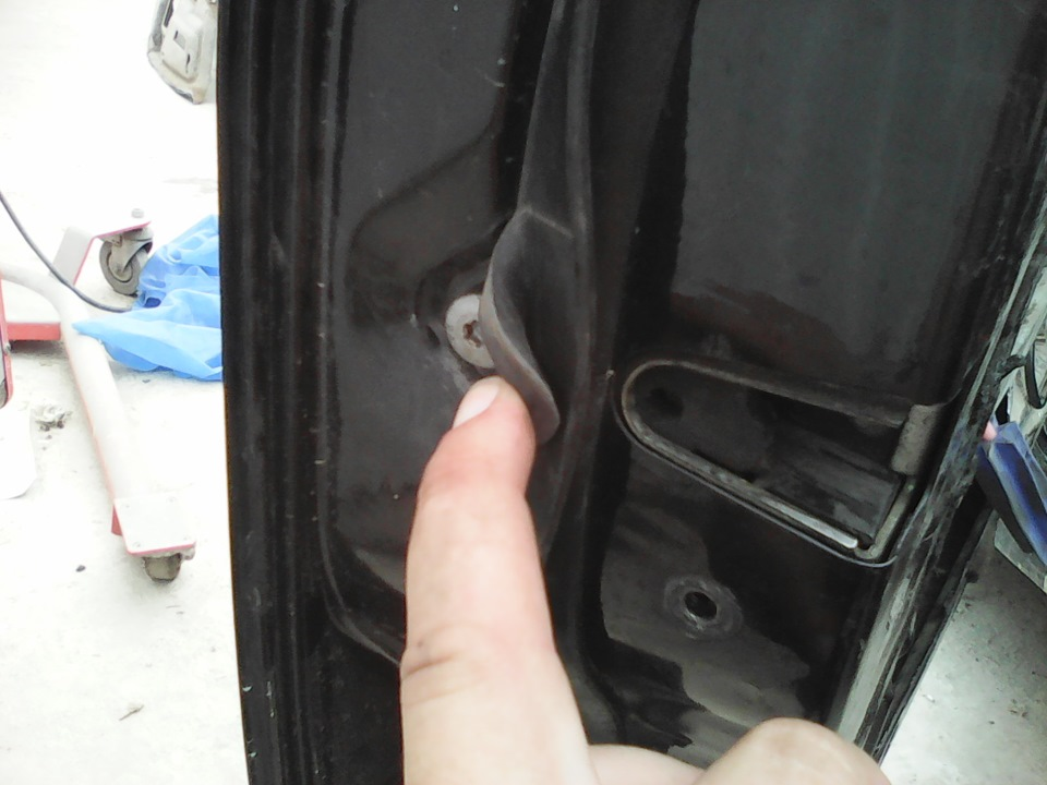 как разобрать водительскую дверь на bmw 520