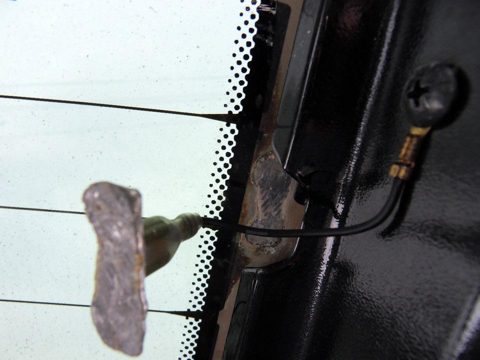 Электропроводный клей для контактов обогревателя заднего стекла
