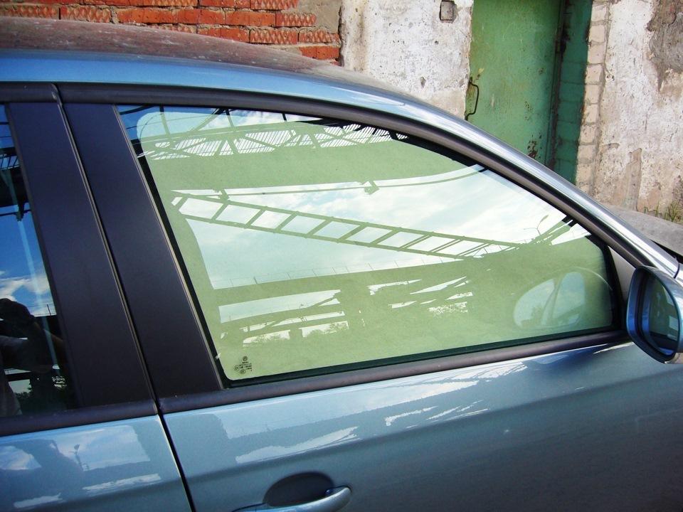 Шторка на боковое стекло