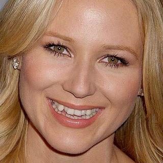 Девушки с кривыми зубами, муж и жена позвали подругу трахнуца в попу порно