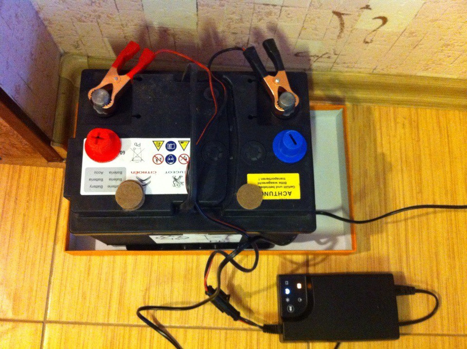 Зарядные устройства для аккумуляторных батарей автомобиля