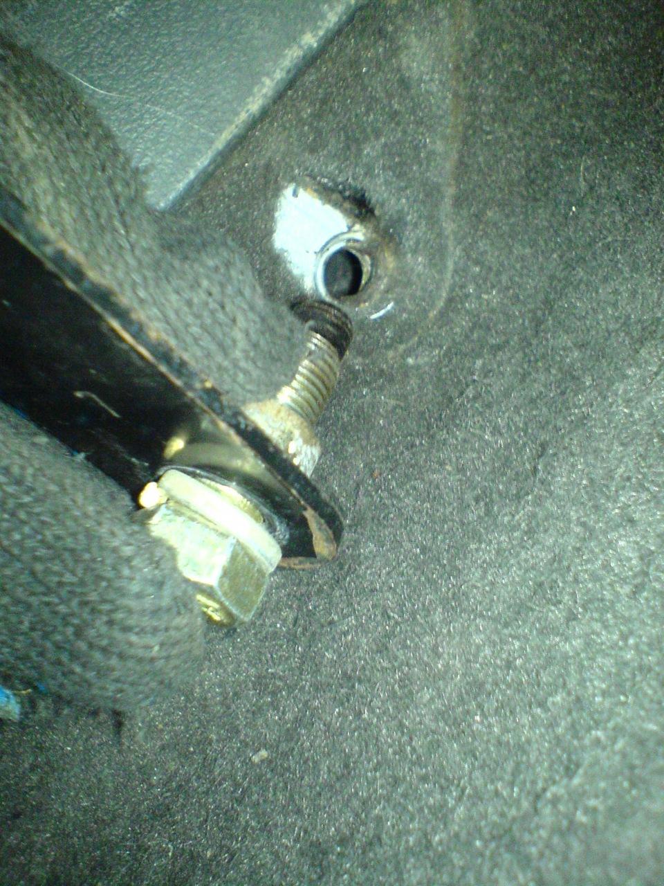 схема крепления водительского сидения у ваза 21099