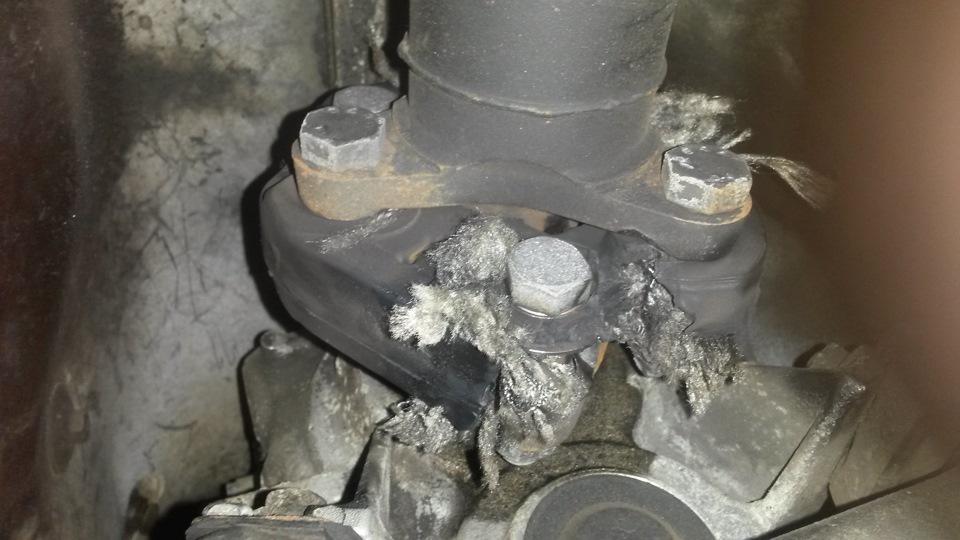 муфта между коробкой и карданом bmw e34 525