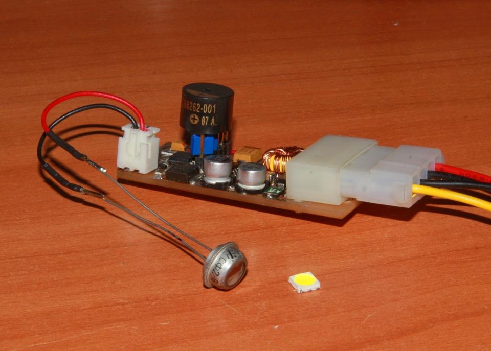 фоторезистор СФ2-8 а слева