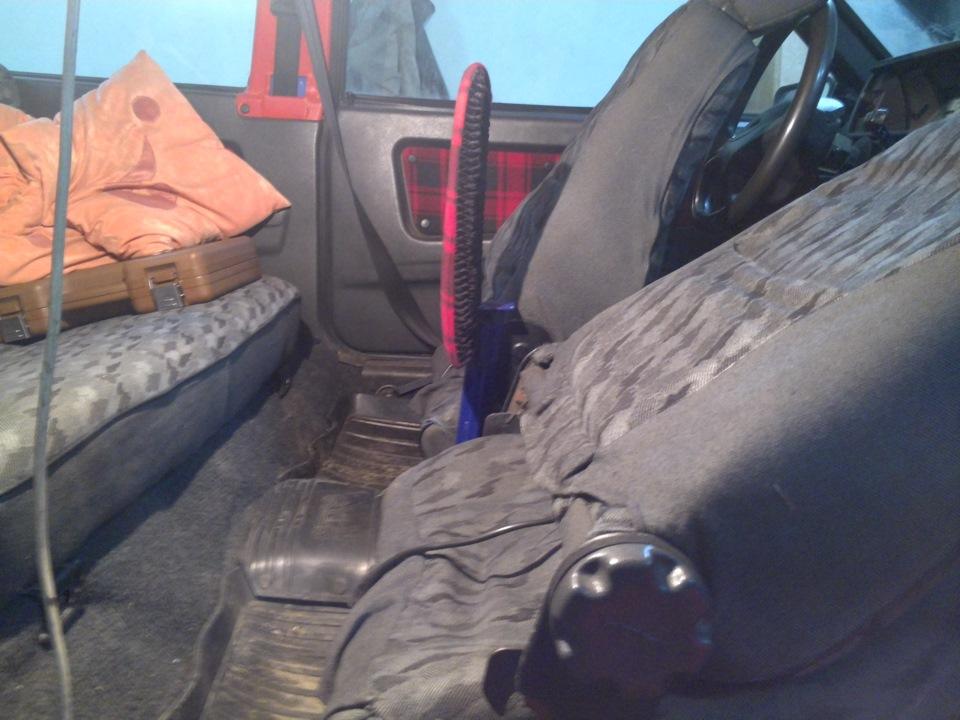 Откидной подлокотник на авто своими руками