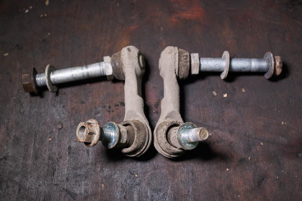Стойки переднего стабилизатора Infiniti M25 (косточки)