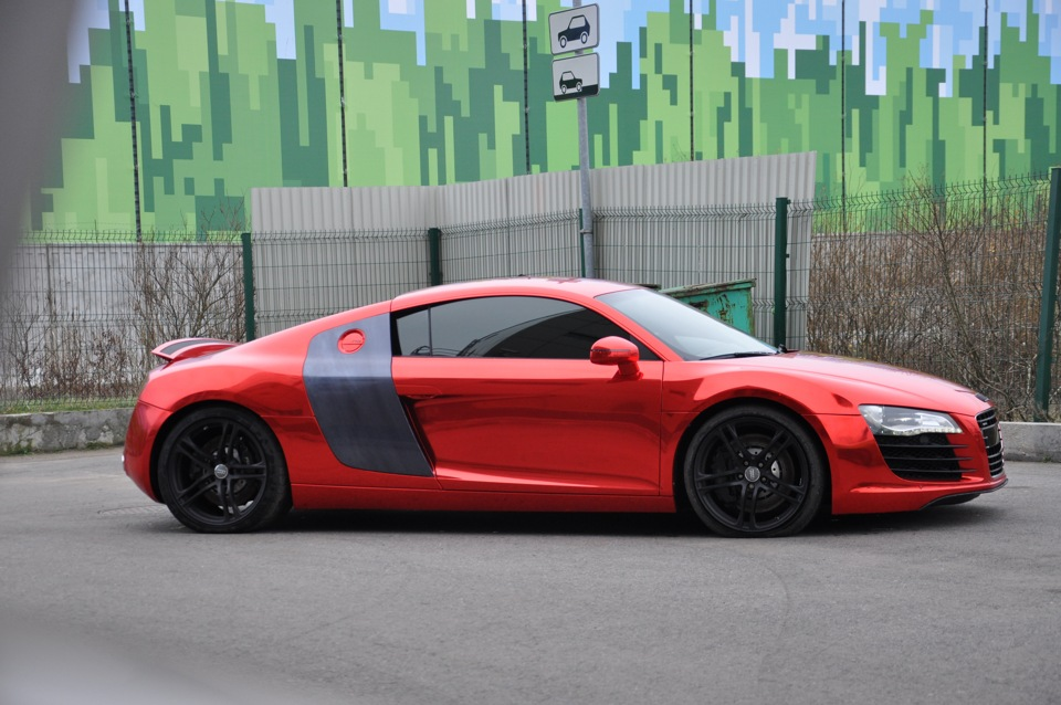 audi r8 in red chrome and bmw x5 in blue posts carlook. Black Bedroom Furniture Sets. Home Design Ideas