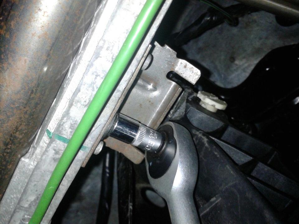 Замена цилиндра сцепления форд мондео Замена троса сцепления focus 2
