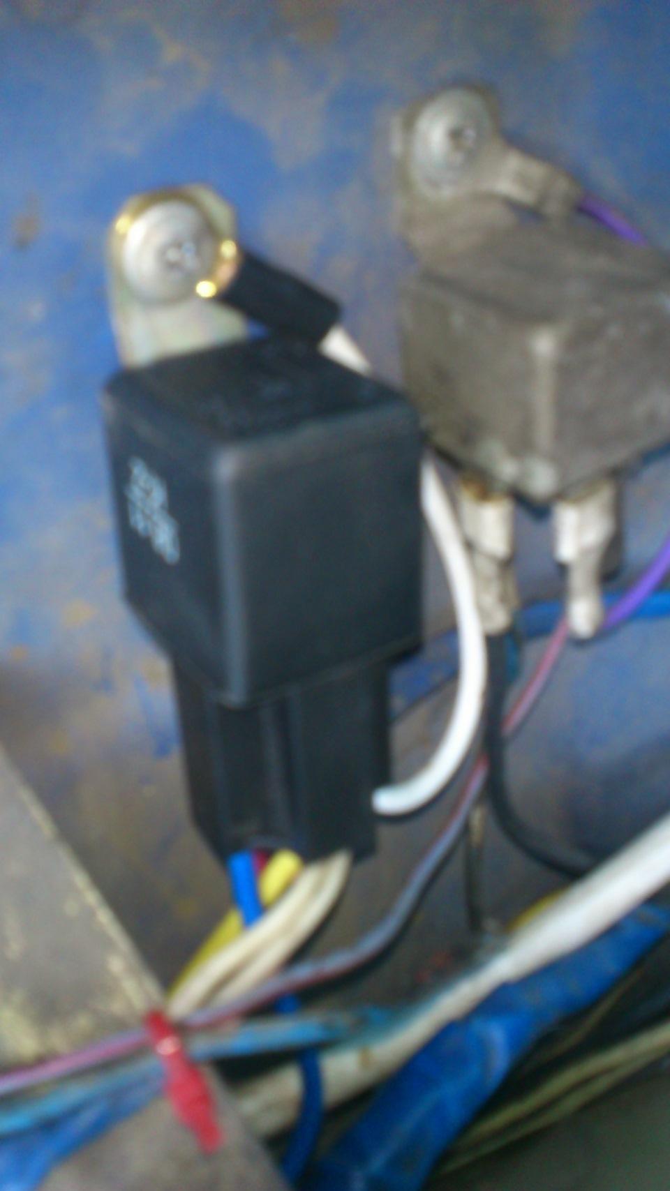 электрическаяэ схема лектробензонасос ваз 21043i