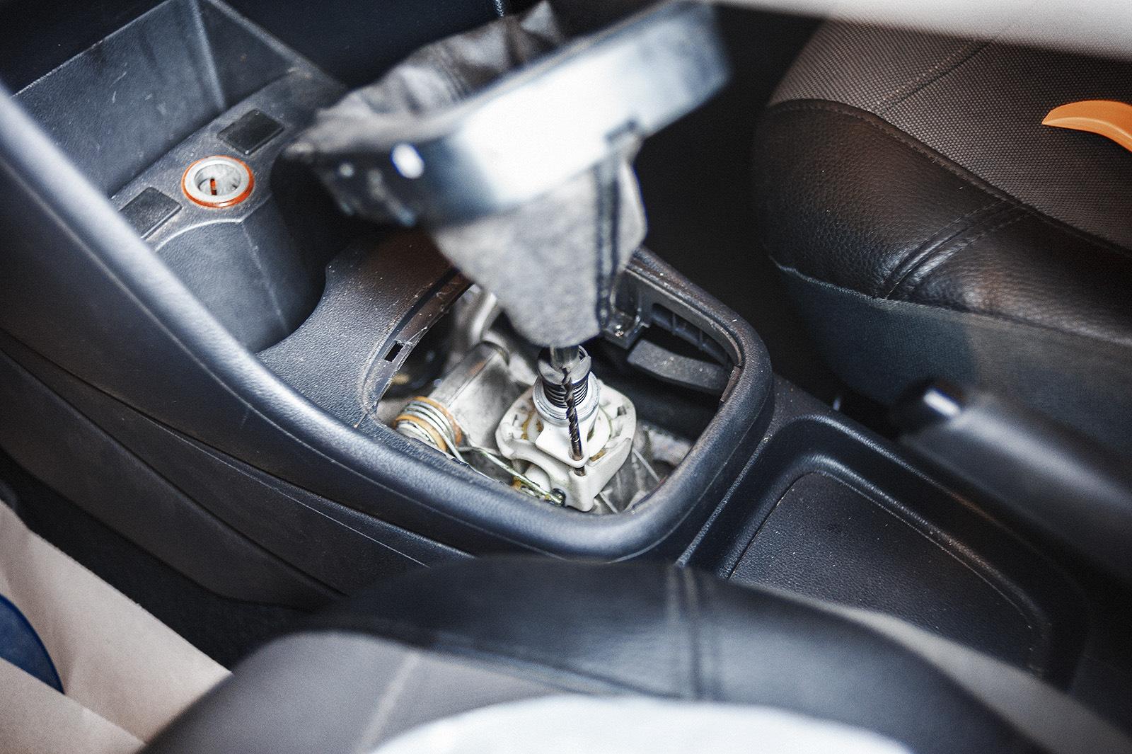 замена рукоятки рычага переключения передач volkswagen polo